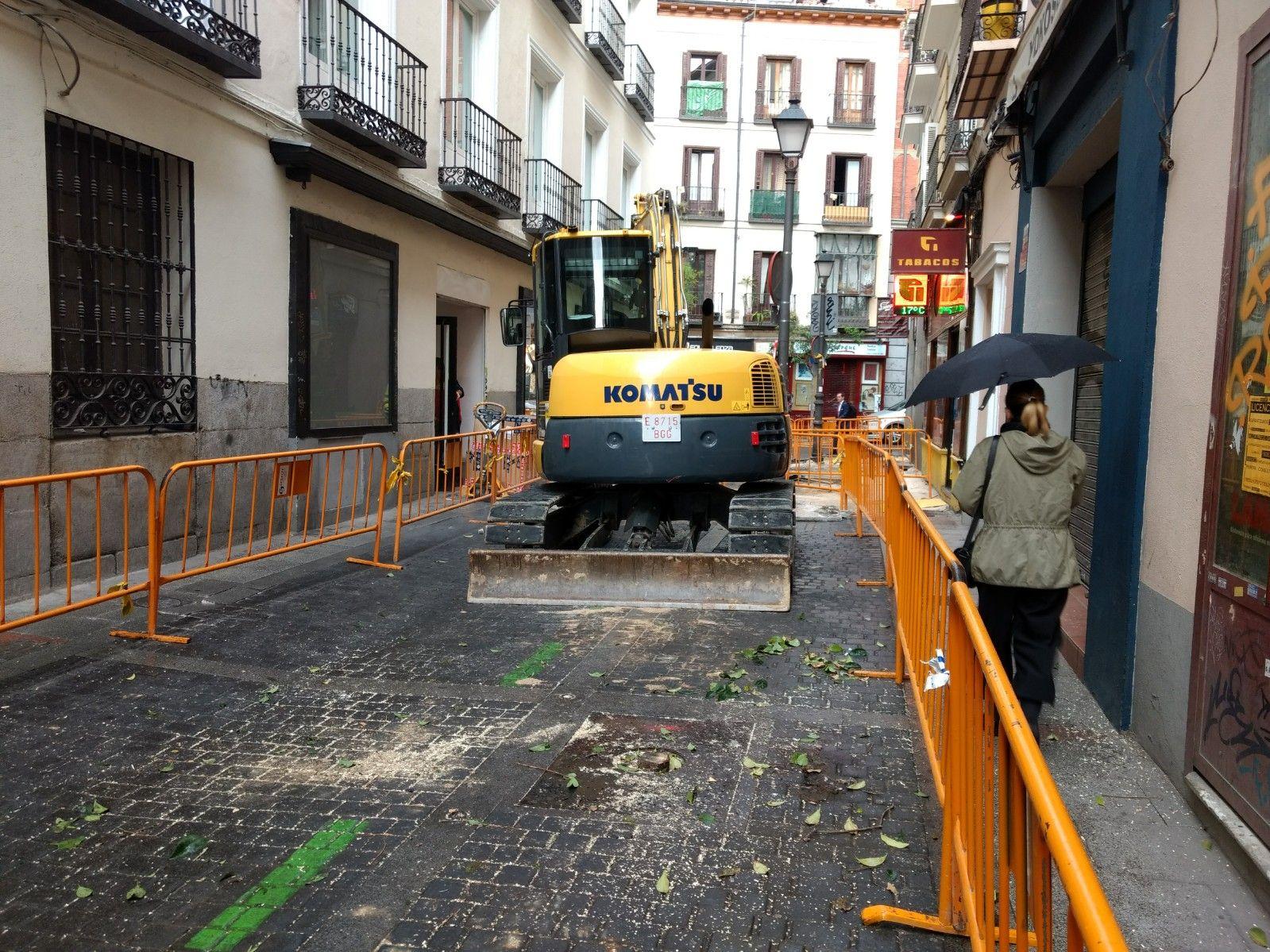 Comienzan las obras para retirar los coches aparcados en Hernán ...