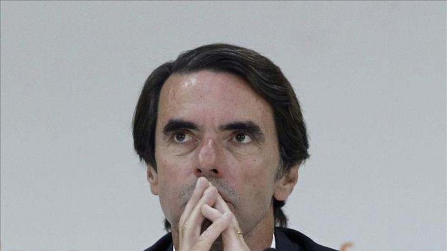 """Aznar alerta de que la corrupción """"menoscaba la democracia"""" y debe atajarse"""