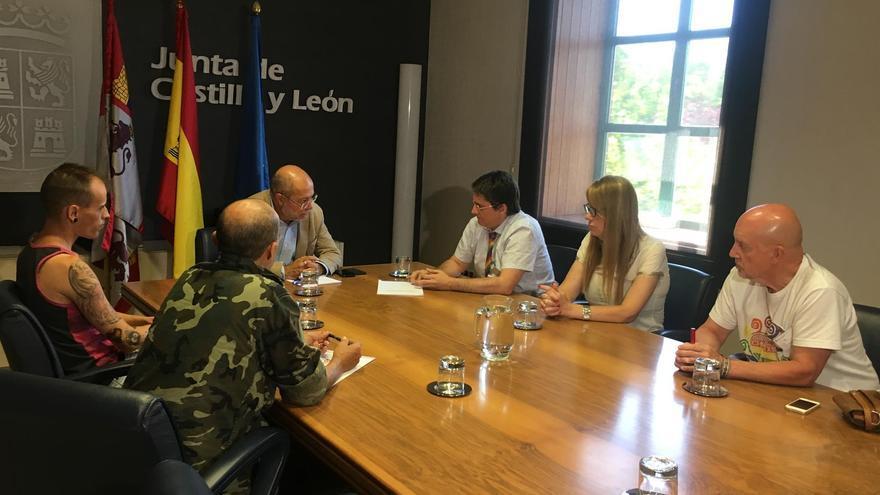 Francisco Igea se reúne con los representantes de los colectivos LGTBi de la Comunidad.