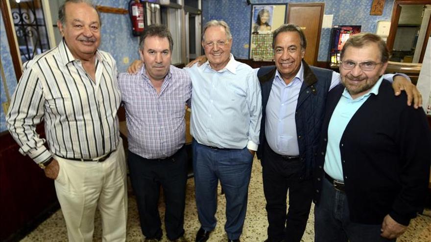 Carlos Slim de visita en Avión (Ourense) en una imagen de archivo.
