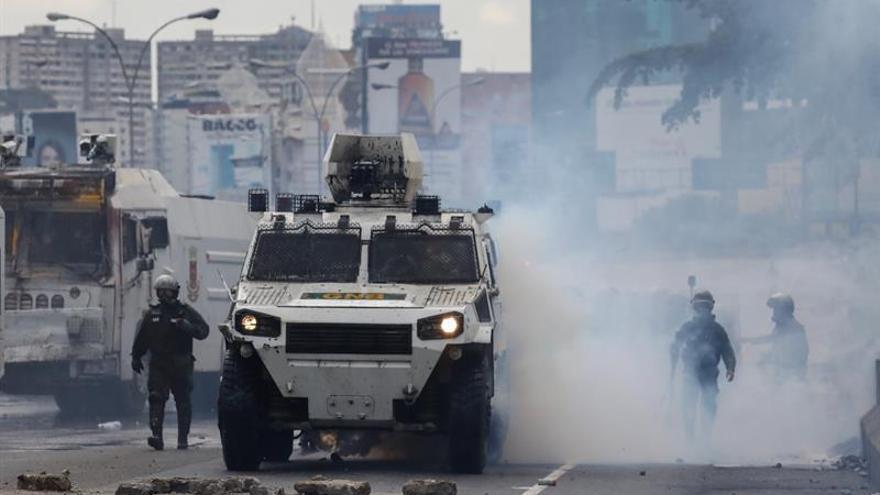 Las fuerzas de seguridad dispersan una marcha contra la Constituyente en Caracas