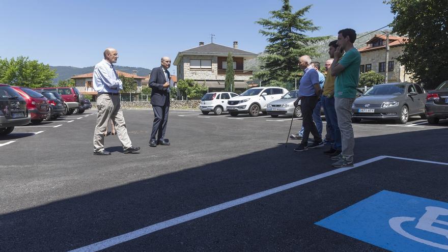 Inaugurado el nuevo aparcamiento en Tarriba