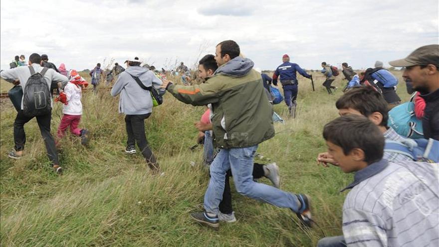 ACNUR pide a Hungría mejorar las condiciones de recepción para los refugiados