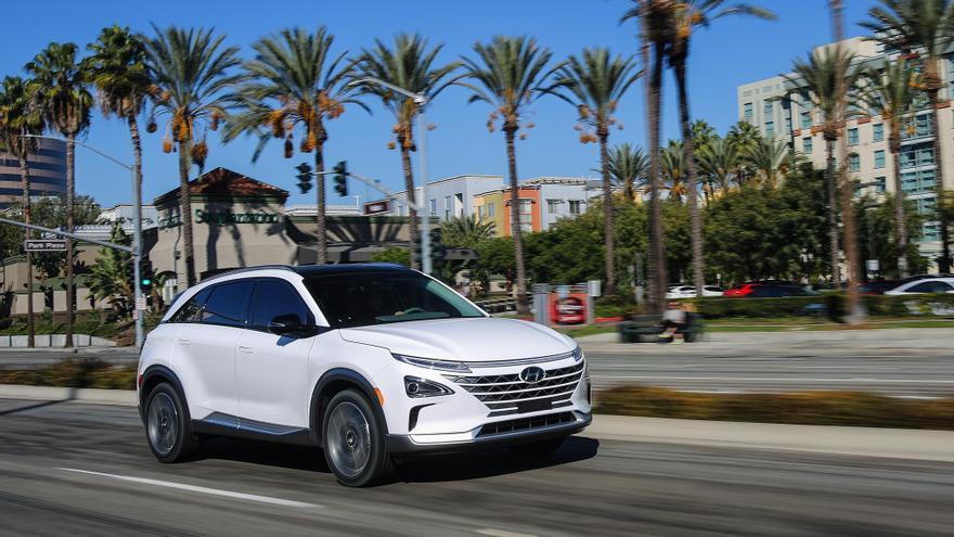 El Hyundai Nexo cuenta con un motor eléctrico de 163 caballos, una batería de 40 kilovatios y una pila de combustible de 95 kilovatios.