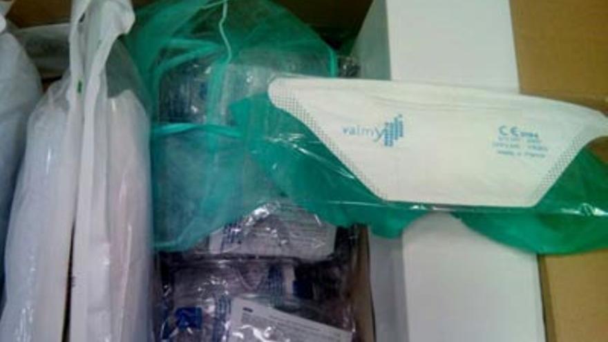 Material anti ébola llegado a Ocaña (Toledo) / Foto de los sanitarios del centro