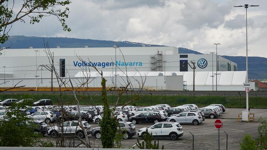 Vista de vehículos producidos en la fábrica de Volkswagen Navarra