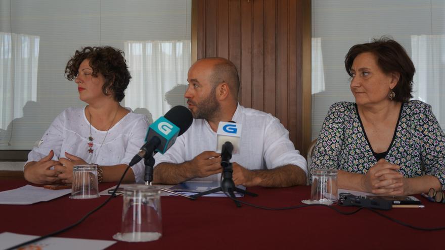 Villares y las viceportavoces Ana Seijas y Victoria Esteban, en una imagen de archivo