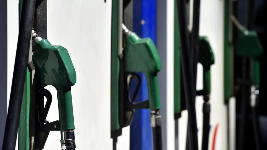 Los carburantes suben un 2,5 % en un mes y marcan nuevos máximos anuales