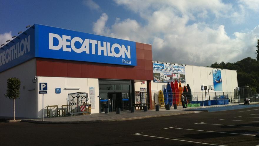 Decathlon cumple 20 años en España con cerca de 100 tiendas y más de 12.000 trabajadores