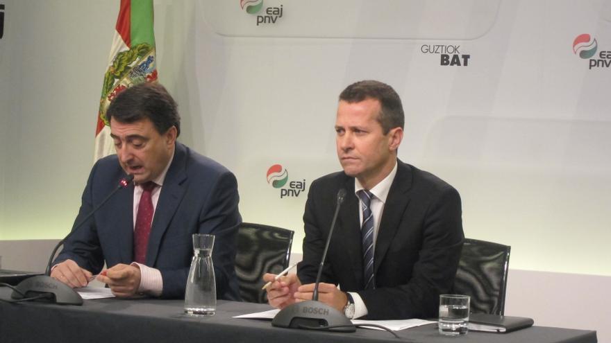 """PNV pide a Rajoy que rompa """"la parálisis incomprensible"""" en materia de paz y le insta a reunirse con el lehendakari"""