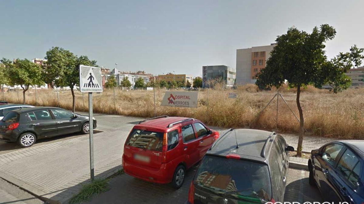 Parcela donde iba a levantarse el hospital Averroes.