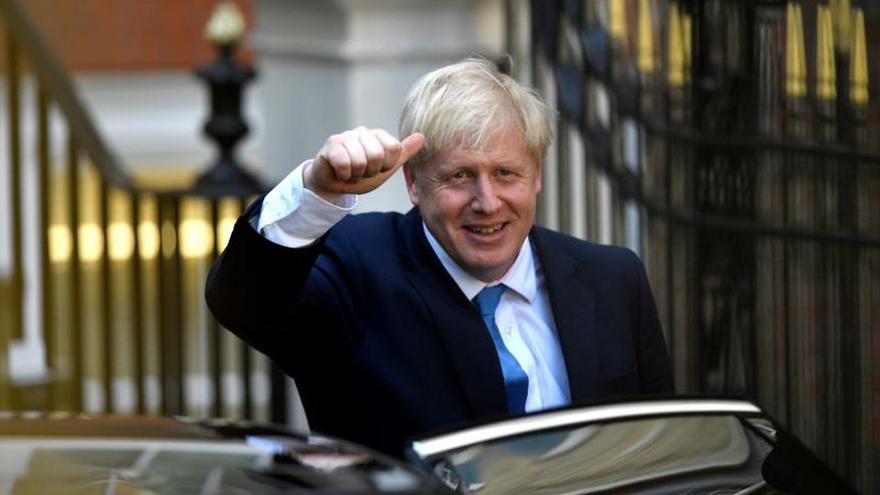 "Johnson llega al poder con la promesa de culminar el ""brexit"""