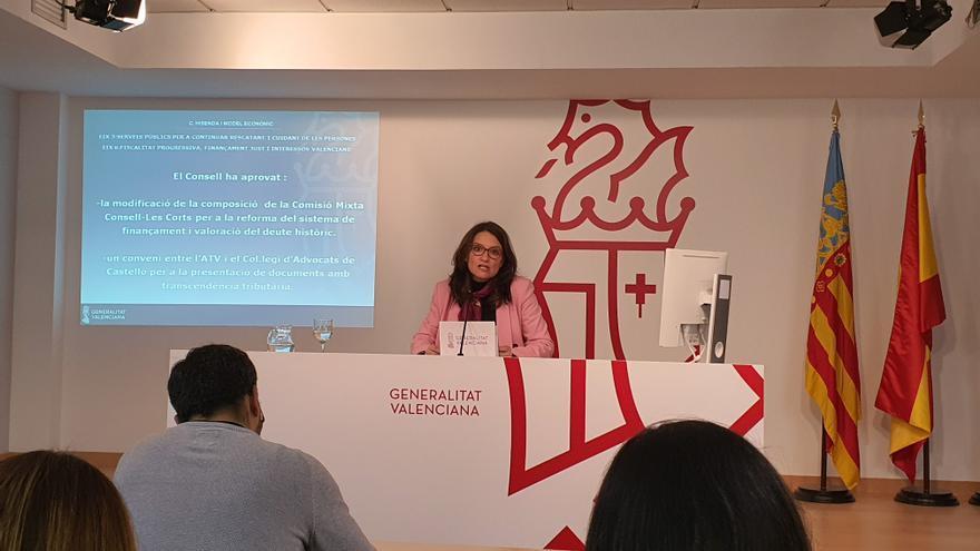 La vicepresidenta Mónica Oltra, en la rueda de prensa del Consell.
