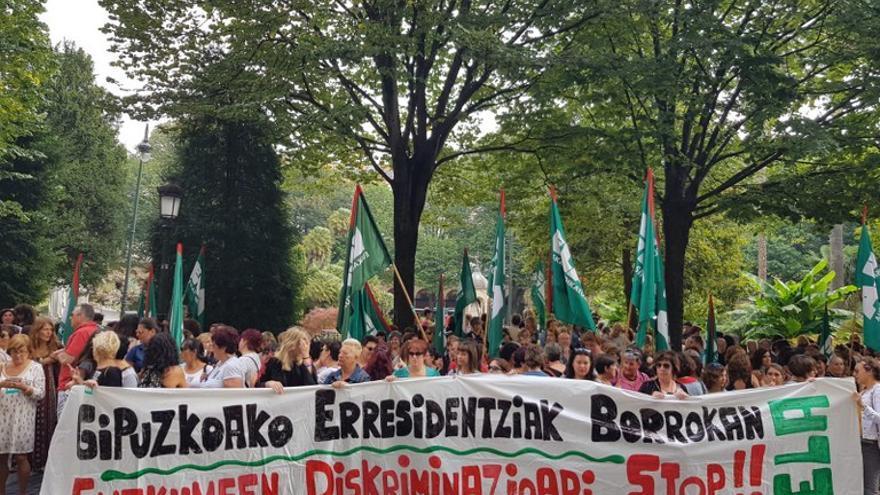 Imagen de la concentración de las trabajadoras de las residencias
