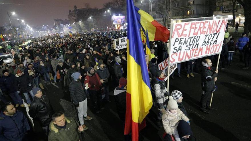 Protestas en Rumanía por una ley que prevé despenalizar casos de corrupción