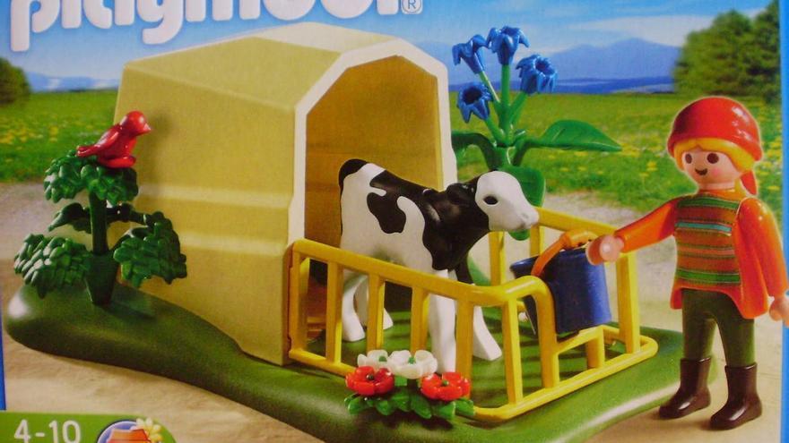 Los juguetes ayudan a normalizar situaciones de abuso y maltrato hacia los demás animales. Foto: Paula Ramos