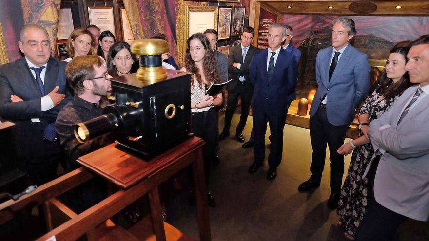 La Porticada acoge una muestra homenaje el nacimiento del cine popular a través de inventos de Georges Méliès