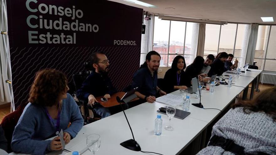 """Iglesias cita a su consejo de sabios para abordar la """"revolución"""" feminista"""
