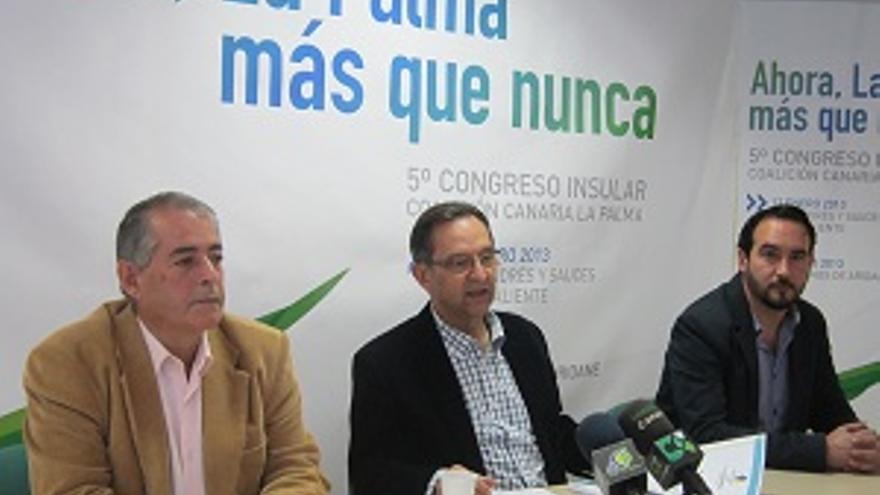 Hernández, Castro y Lorenzo en la presentación del V Congreso.