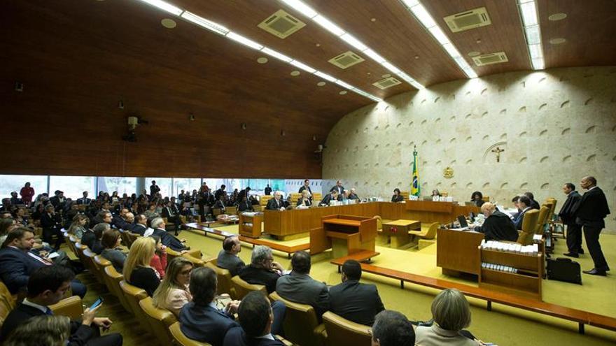 El Supremo brasileño aplaza su decisión sobre la denuncia contra Temer