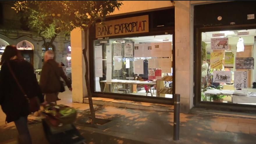 El centro social Banc Expropiat, en Gràcia, cuando estaba en funcionamiento