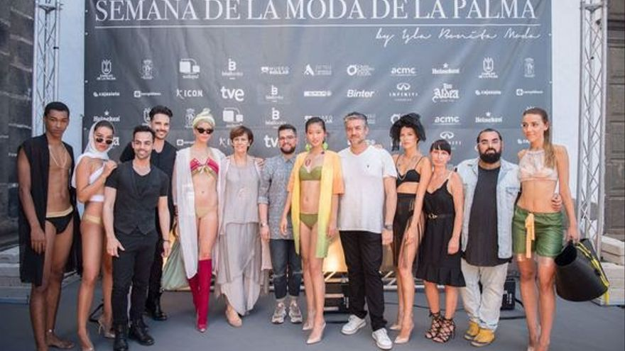 Los diseñadores de las firmas adscritas al colectivo Isla Bonita Moda en el Museo Insular.