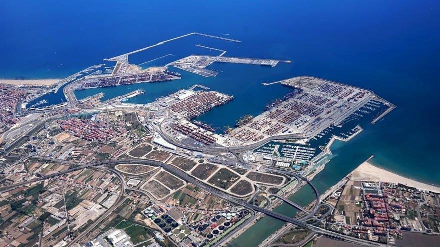 Imagen aérea del puerto de València