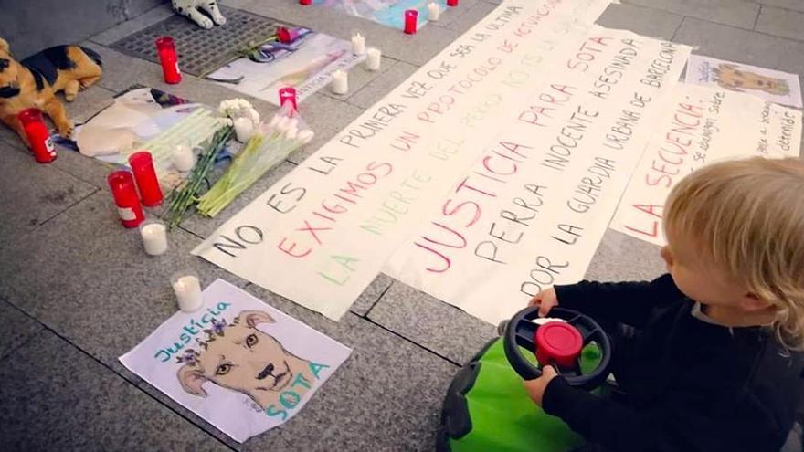 Concentración en Zaragoza en protesta por el crimen de Sota