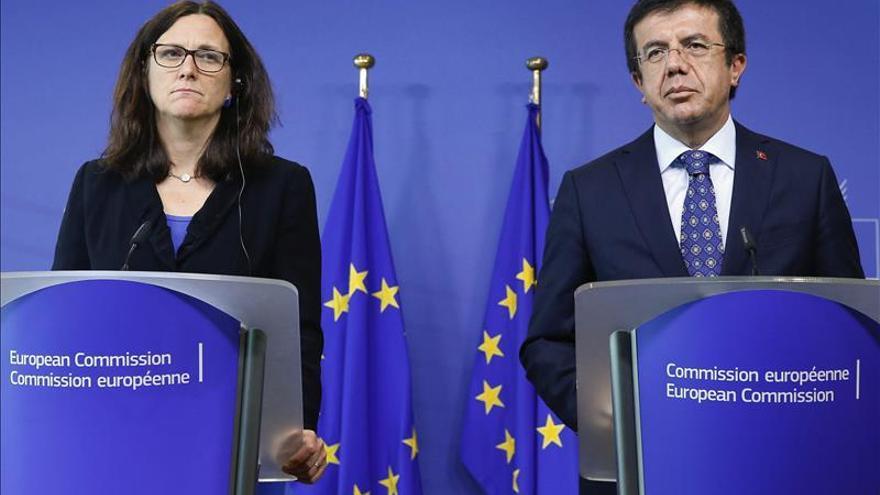 La UE y Turquía anuncian la modernización del acuerdo de unión aduanera