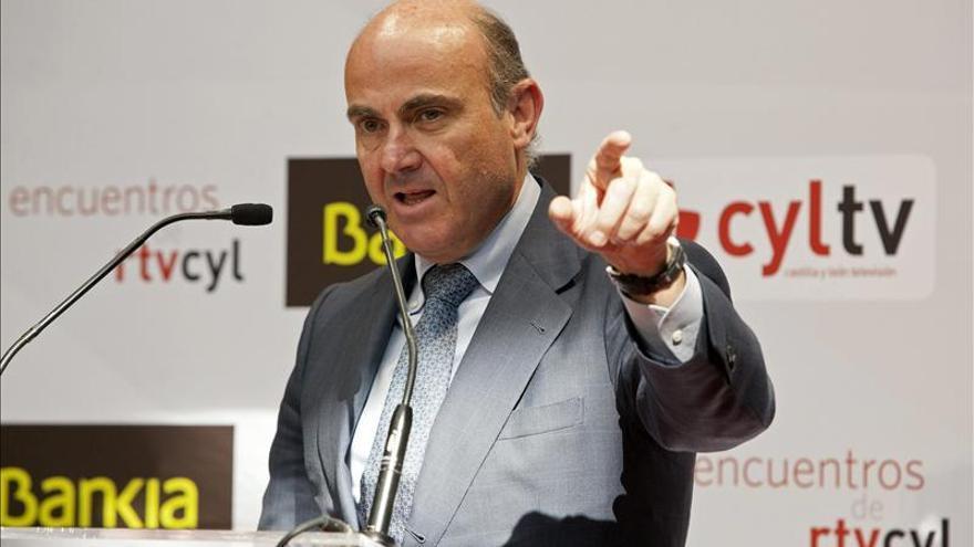 El Gobierno anunciará en 2014 rebajas vinculadas con el IRPF y las Sociedades