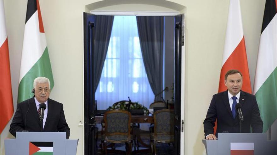 Abbas dice en Polonia que el encuentro con Netanyahu en Moscú queda pospuesto