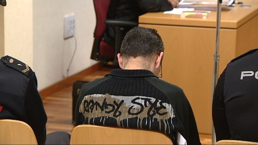 En acusado en un momento del juicio.