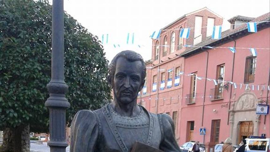 Estatua de Fernando de Rojas en Talavera de la Reina