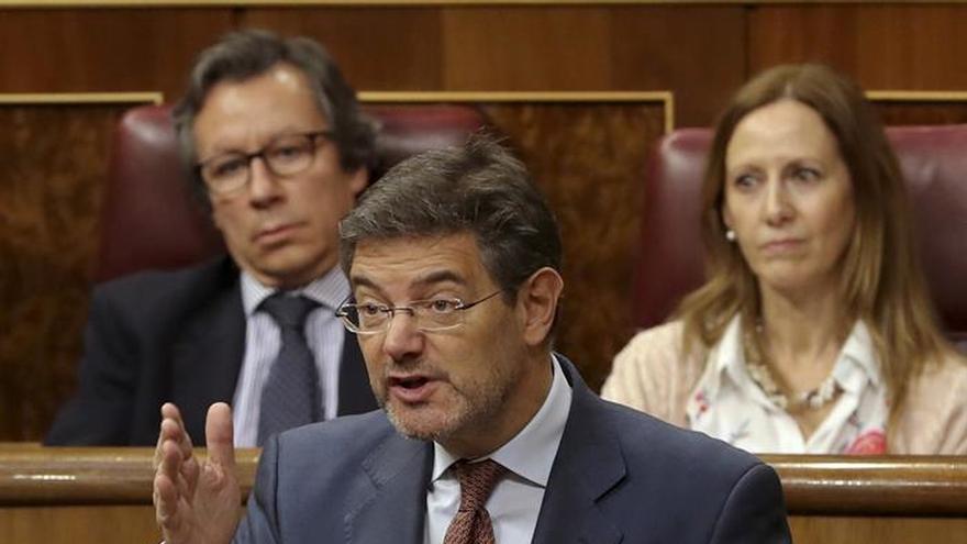 Catalá afea al PSOE que nunca moviera una baldosa del Valle de los Caídos
