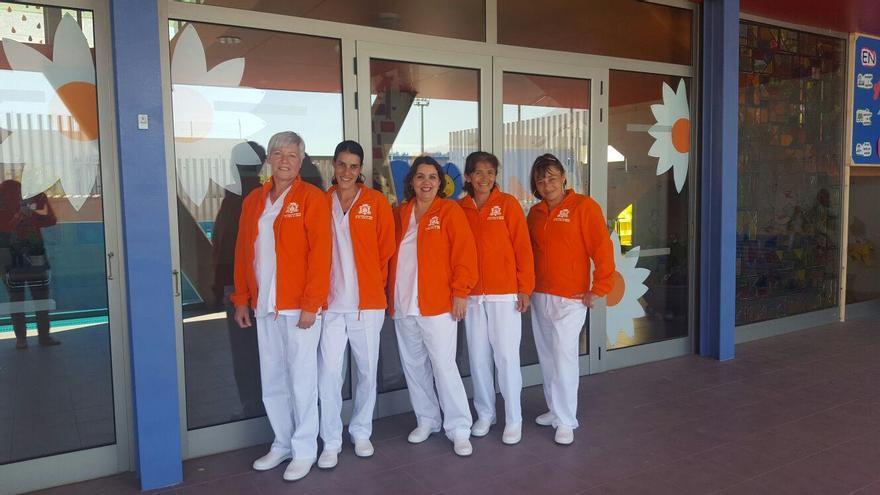 Parte del equipo de limpieza responsable de centros escolares.