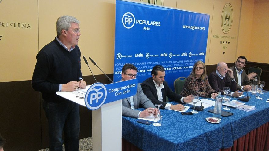 """Fernández de Moya elude pronunciarse sobre el congreso provincial y candidatos porque """"ni siquiera está convocado"""""""