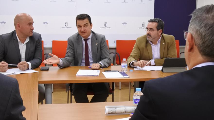 Reunión de Francisco Martínez Arroyo con la Confederación del Segura