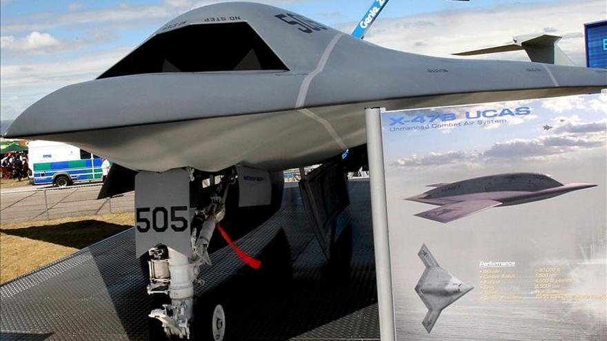 """EE.UU. lanza por primera vez con éxito un """"drone"""" desde un portaaviones"""
