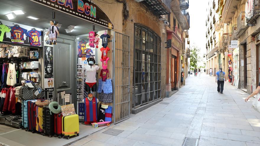 Una calle turística de Barcelona a principios de julio.