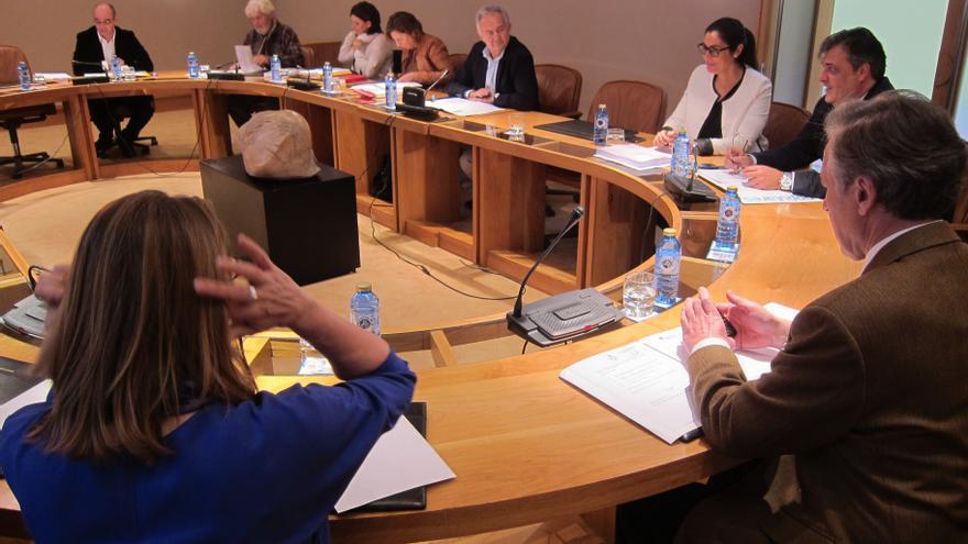 """La oposición reclama que Feijóo explique la financiación del PPdeG pero la mayoría parlamentaria lo """"veta"""""""