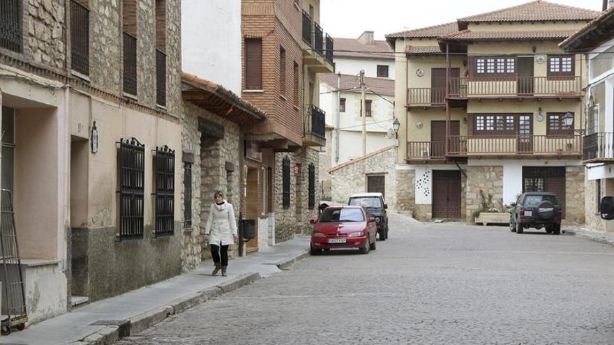 Aragón, donde una mitad vive en 730 municipios y la otra, en uno
