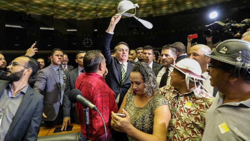 Jair Bolsonaro presenta su reforma económica en el Parlamento nacional.