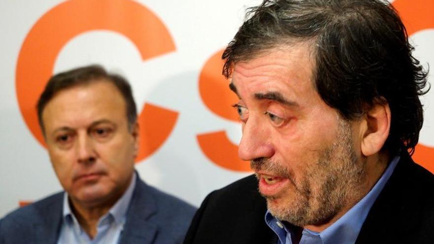 el presidente de la Gestora de Ciudadanos, Manuel Garcóa Bofill junto a Joan Mesquida
