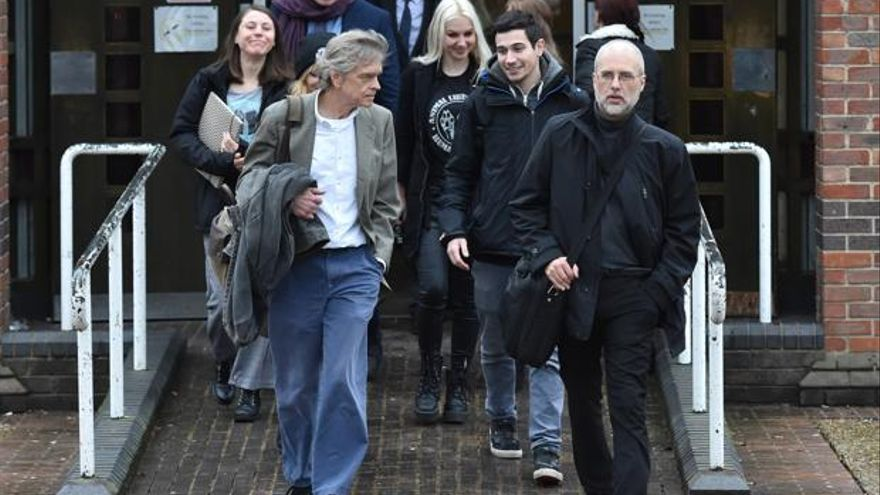 Jordi Casamitjana saliendo del tribunal en Norwich, Reino Unido