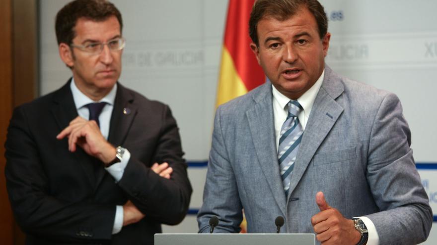 El presidente gallego, Alberto Nuñez Feijóo, junto con Javier Guerra