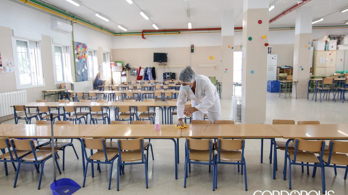 Limpieza de aulas en el inicio del curso.