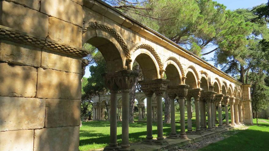 El claustro encontrado en los jardines de la finca Mas del Vent