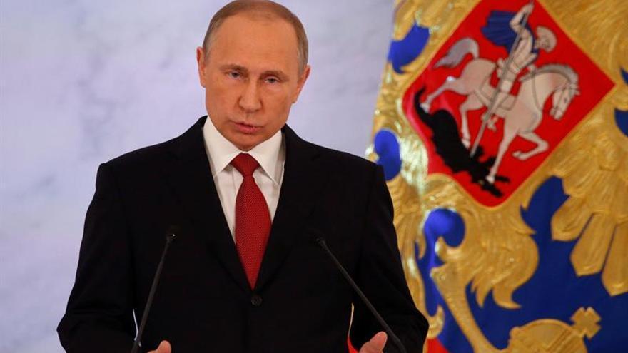 Putin reconoce que la crisis rusa se debe a problemas internos y no a las sanciones