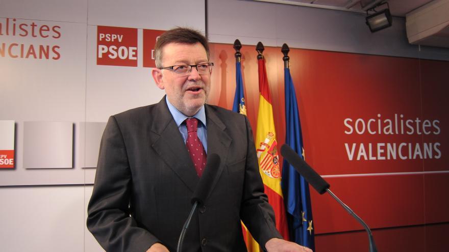 """Puig (PSPV) cuestiona que en el PP """"quien la hace la paga"""" mientras en las Corts hay diez diputados imputados"""