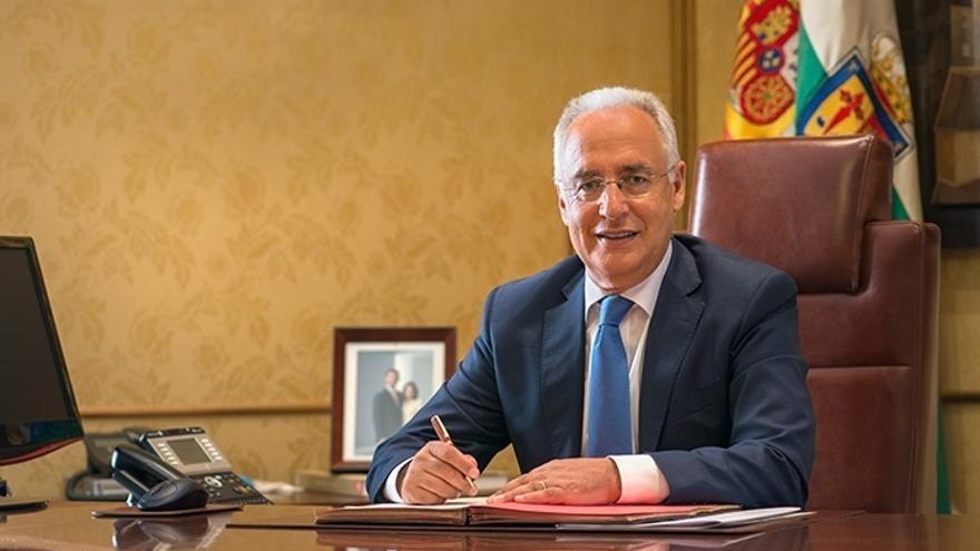 La comisión del Congreso que investiga las finanzas del PP incluye al presidente de La Rioja entre sus comparecientes